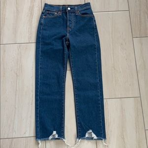 Levi's Strauss wedgie straight raw hem jeans 25